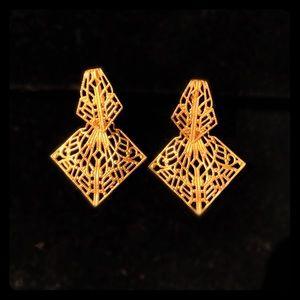 Vintage Gold TRIFARI Clip On Earrings